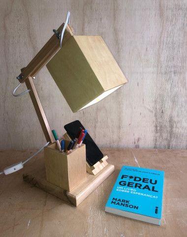 Luminária em madeira - Foto 2