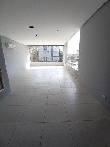 Sala comercial na galeria térrea de frente para  avenida. - Foto 8