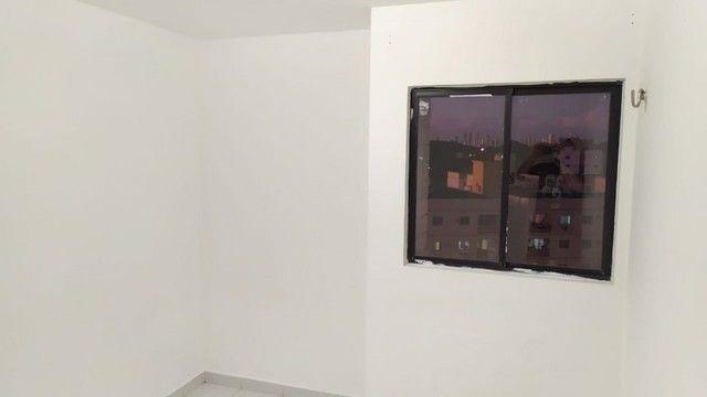 Apartamento com 03 quartos, piscina e varanda - Foto 13