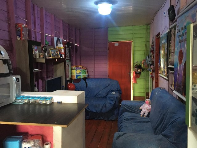 Vendo casa com ponto comercial dois quartos sala cozinha banheiro e mais uma casa atrás - Foto 5