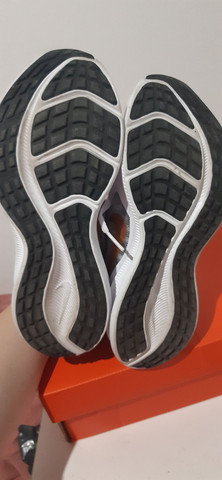 Tenis Nike Downshifter 10 Tam 35 - Foto 3