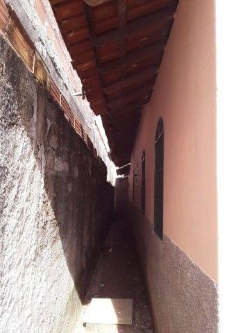 Vendo ou troco casa no bairro Santo Antônio leia a descrição - Foto 2