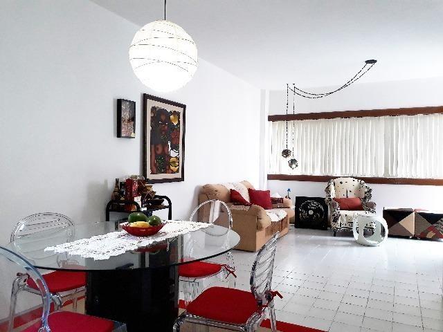 Amplo apartamento de um quarto (60 m2) em excelente localização em Boa Vagem