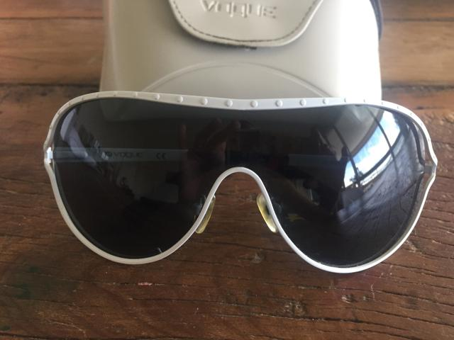 Óculos de sol Vogue - Bijouterias, relógios e acessórios - Itacorubi ... 0ae7d1348c