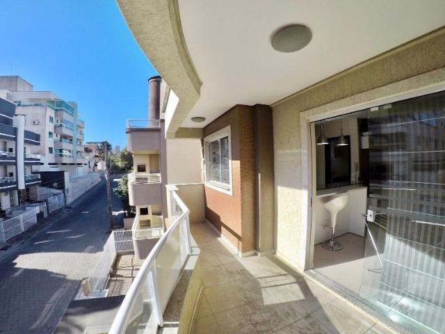 Apartamento 03 Dormitórios mobiliado a poucos metros do mar - Foto 9