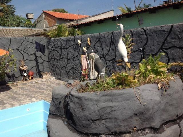 Casa em caldas na laje,piscina,barracao no fundo com divisão,bem localizada Itaguaí. - Foto 4