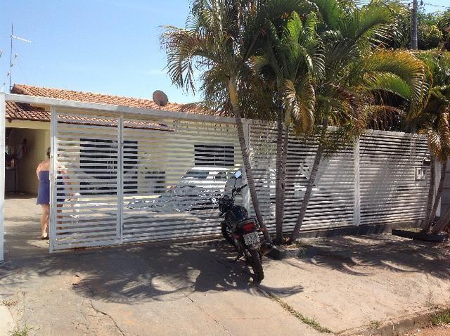 Casa em caldas na laje,piscina,barracao no fundo com divisão,bem localizada Itaguaí.