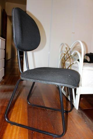 Cadeira de Escritório em Tecido Preto Fixa Office - Foto 2