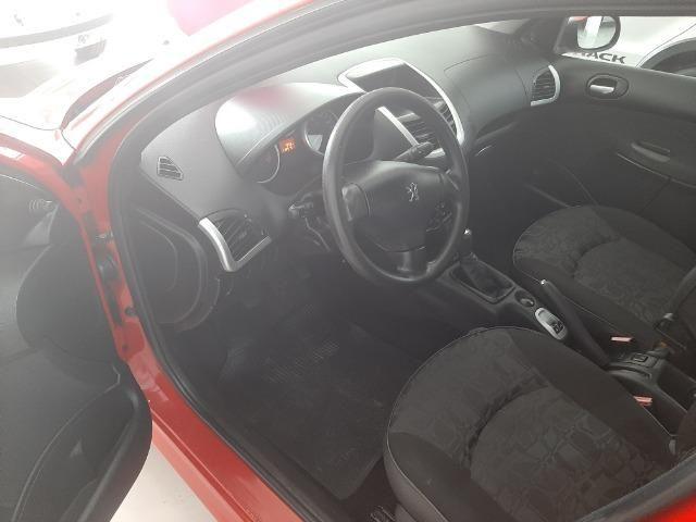 Vendo Peugeot 207 1.4 completo de tudo - Foto 7