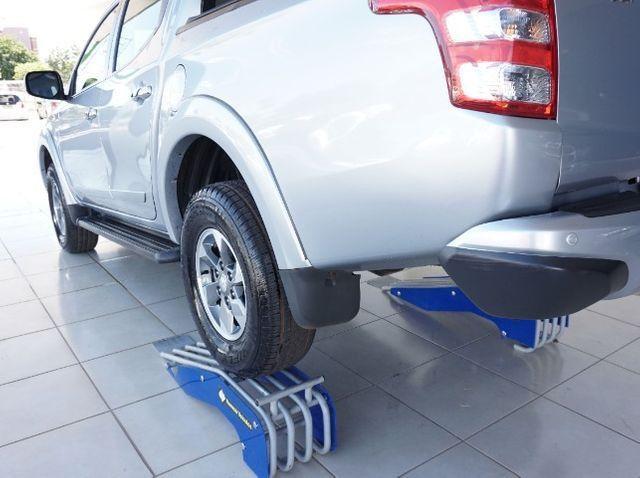 Mitsubishi L200 Triton Sport 2.4 DID-H HPE 4WD (Aut) 17/18 - Foto 14