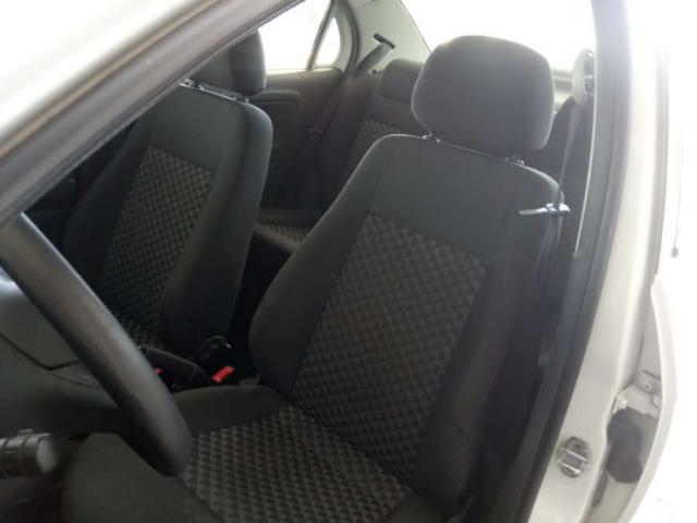 Volkswagen VOYAGE  COMF/Highli. 1.6 T.Flex 8V 4p - Foto 8