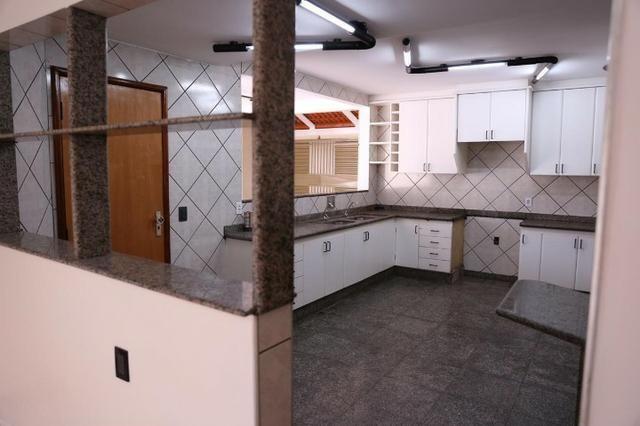 Sobrado a venda, 4 quartos, 3 suítes, Setor Sudoeste - Foto 2