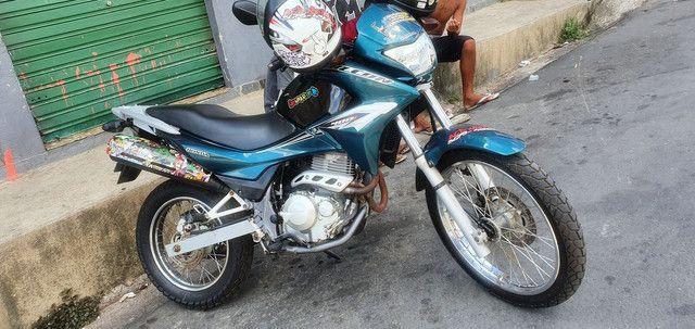 Falcon 2004 moto zerada?