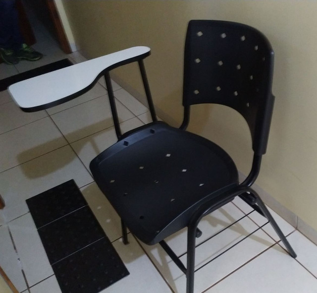 75 cadeiras universitárias/escolares - Foto 4