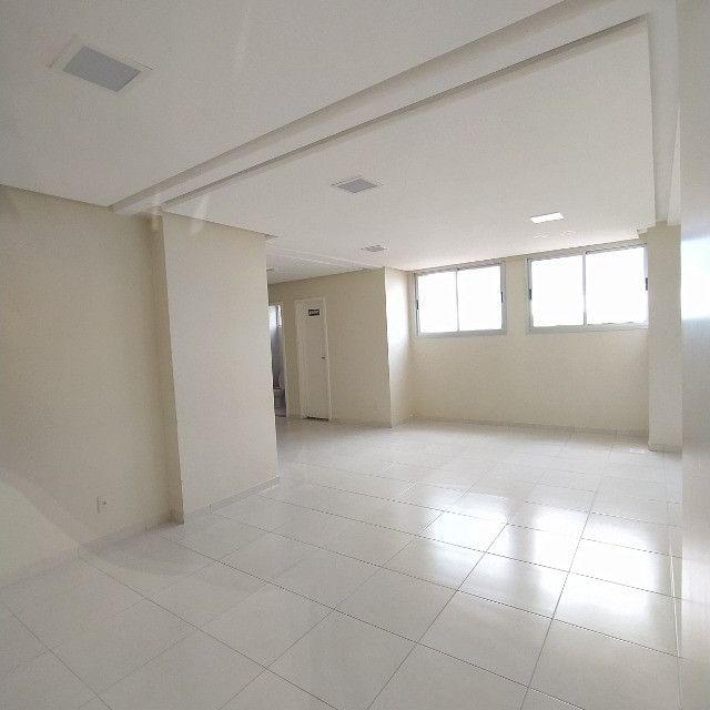 Apartamento 2Q no Jardim das Esmeraldas Goiânia - Foto 2
