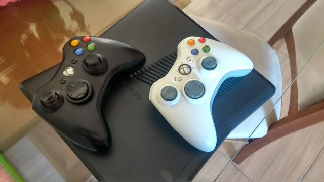 Vendo Xbox 360 slim - Foto 3