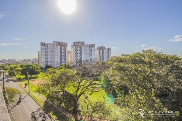 Apartamento à venda com 2 dormitórios em Vila ipiranga, Porto alegre cod:EL56357207