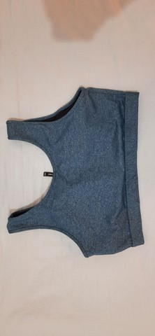 Sutiã, cinta modeladora e parte de cima de biquíni azul - Foto 4