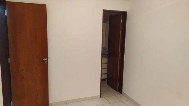 Apartamento com 03 quartos, piscina e varanda - Foto 8