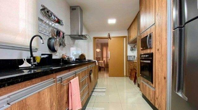 Vendo apartamento de 3 suítes no Edifício Arboretto