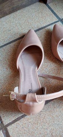 Sandália salto baixo grosso bico - Foto 3