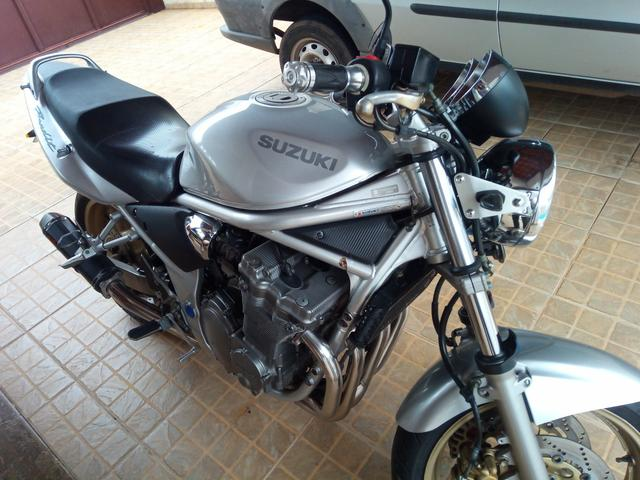 moto bandit n600 venda em todo o brasil busca acelerada. Black Bedroom Furniture Sets. Home Design Ideas