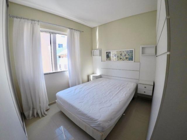 Apartamento 03 Dormitórios mobiliado a poucos metros do mar - Foto 13