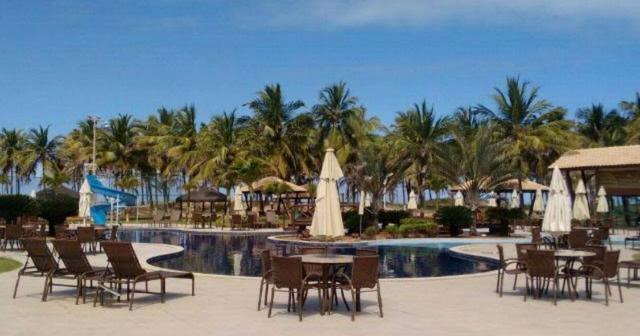 Vendo lote - Estilo resort - com praia privativa - OPORTUNIDADE