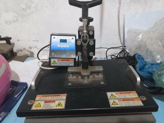 Prensa pra Sublimação, 8x1 e mais uma Impressora pra tintas sublimaticas Epson - Foto 2
