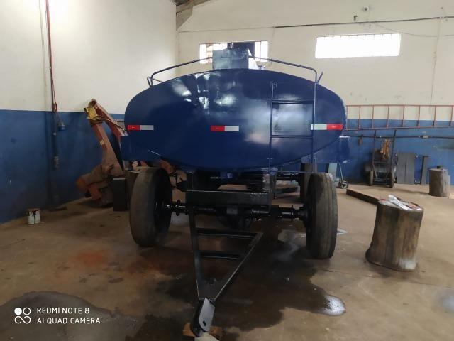 Carreta tanque para trator capacidade de 7 mil litros - Foto 4
