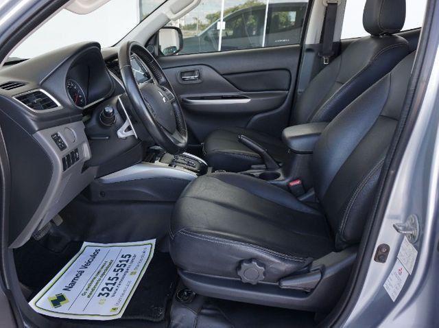 Mitsubishi L200 Triton Sport 2.4 DID-H HPE 4WD (Aut) 17/18 - Foto 5