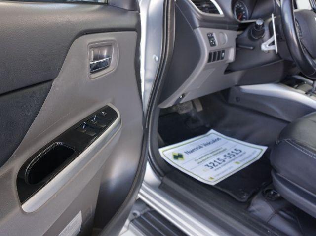 Mitsubishi L200 Triton Sport 2.4 DID-H HPE 4WD (Aut) 17/18 - Foto 6