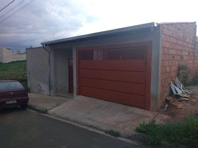 Vendo uma casa em Passos-MG