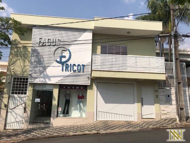 Casa com loja comercial no Centro de Monte Sião-MG