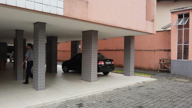 Apartamento 3 quartos, sendo 2 suítes - Pajuçara - Foto 5