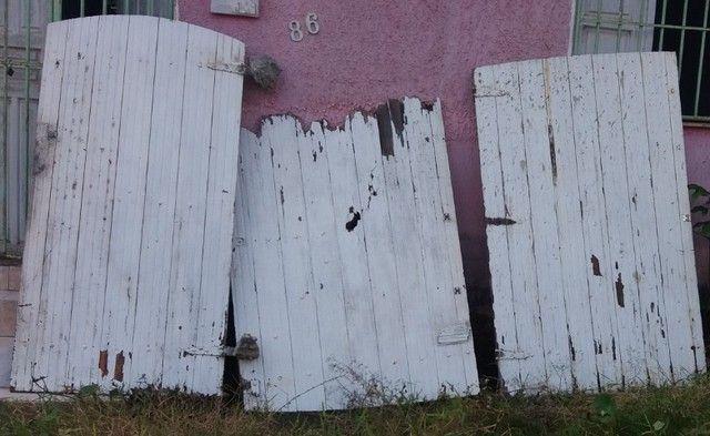 Portao de madeira - Foto 2