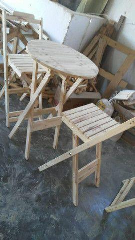 Conjunto de mesa e cadeiras bistrô pinho e cedro - Foto 4