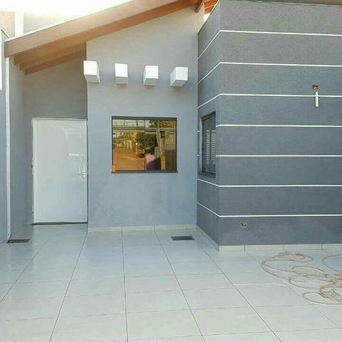 Casa de 3 quartos um sendo suíte região do bairro Rita viera