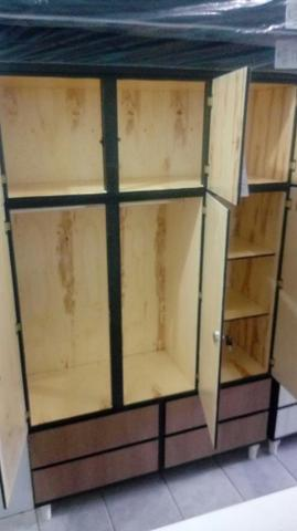 Guarda roupa madeira 3 portas novo
