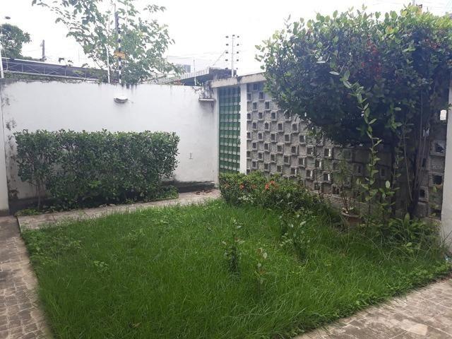 Belíssima Casa Duplex Reformada 3 Qtos/ 3 Vagas/ a 5 Minutos De Boa Viagem No Ipsep - Foto 7