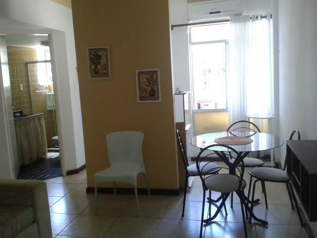 Vendo/Alugo quarto e sala, mobiliado no Itaigara Cod. 100