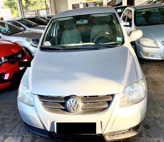 VW - Fox 4p 1.0 Prata em ótimo estado