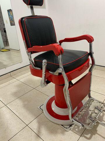 Vendo cadeira de barbeiro Ferrante anos 60. - Foto 2
