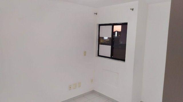 Apartamento com 03 quartos, piscina e varanda - Foto 11