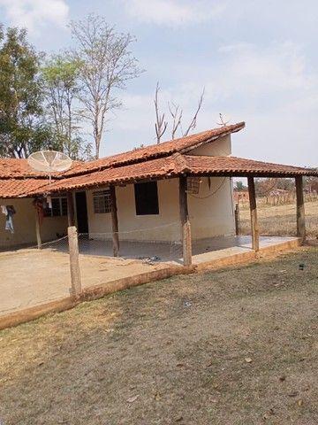 Chácara 20mil m2, 2 Casas Simples, 2 Dormitórios, Pasto, Lago com Peixes, Chiqueiro, Ranch