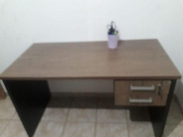 Escrivaninha de escritório em MDF - Foto 6
