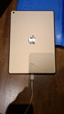 IPad Air 2, modelo A1822 - 5ª geração. 32Gb Wi-fi, dourado - Foto 2
