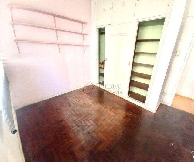 Posto 4 Bolivar junro a Pompeu Loureiro, andar alto salão 3 quartos dependencias, oportuni - Foto 11