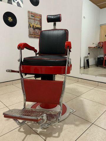 Vendo cadeira de barbeiro Ferrante anos 60.