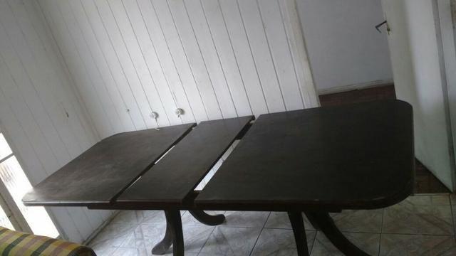 Mesa desmontável de madeira seminova (sem cadeiras)